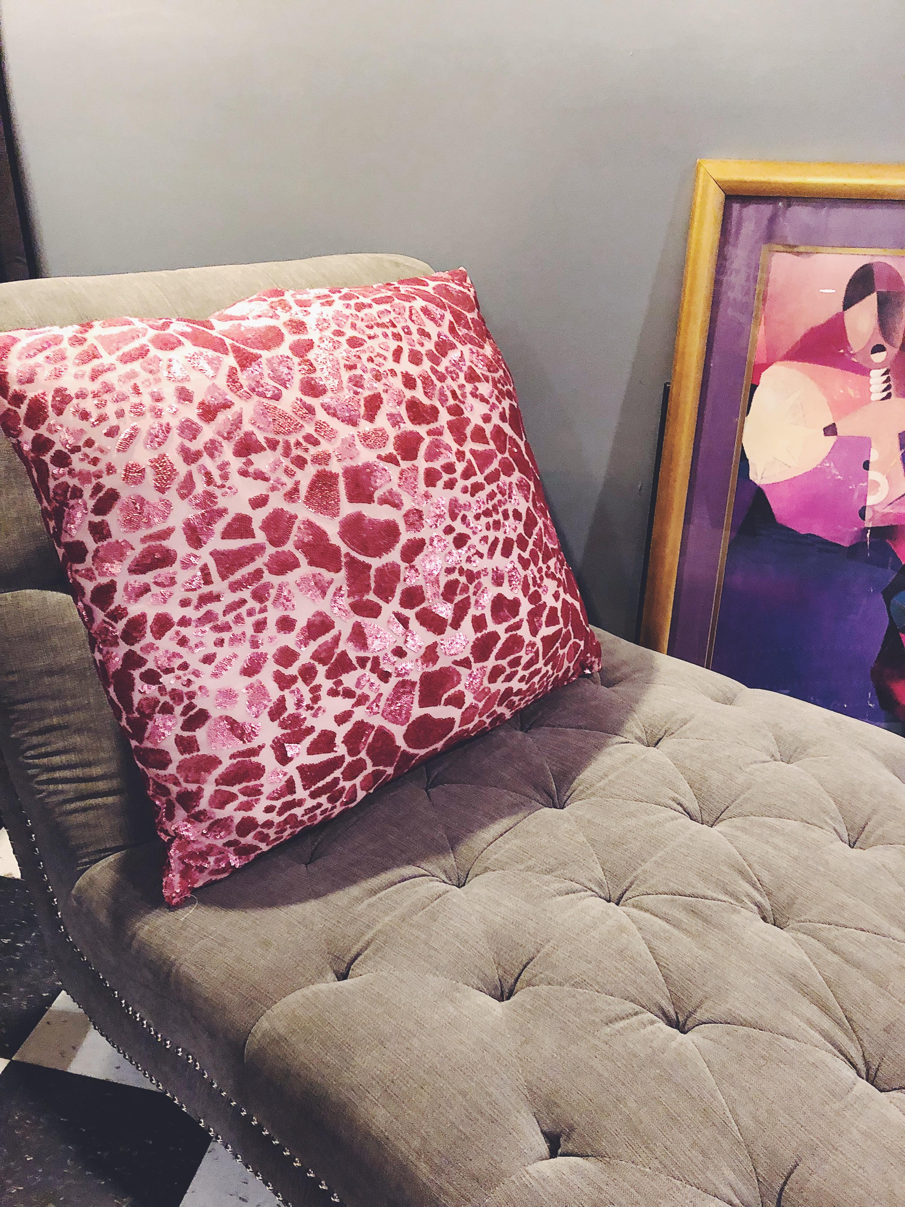 Large Giraffe Sequins Pillow Veronica Ariel